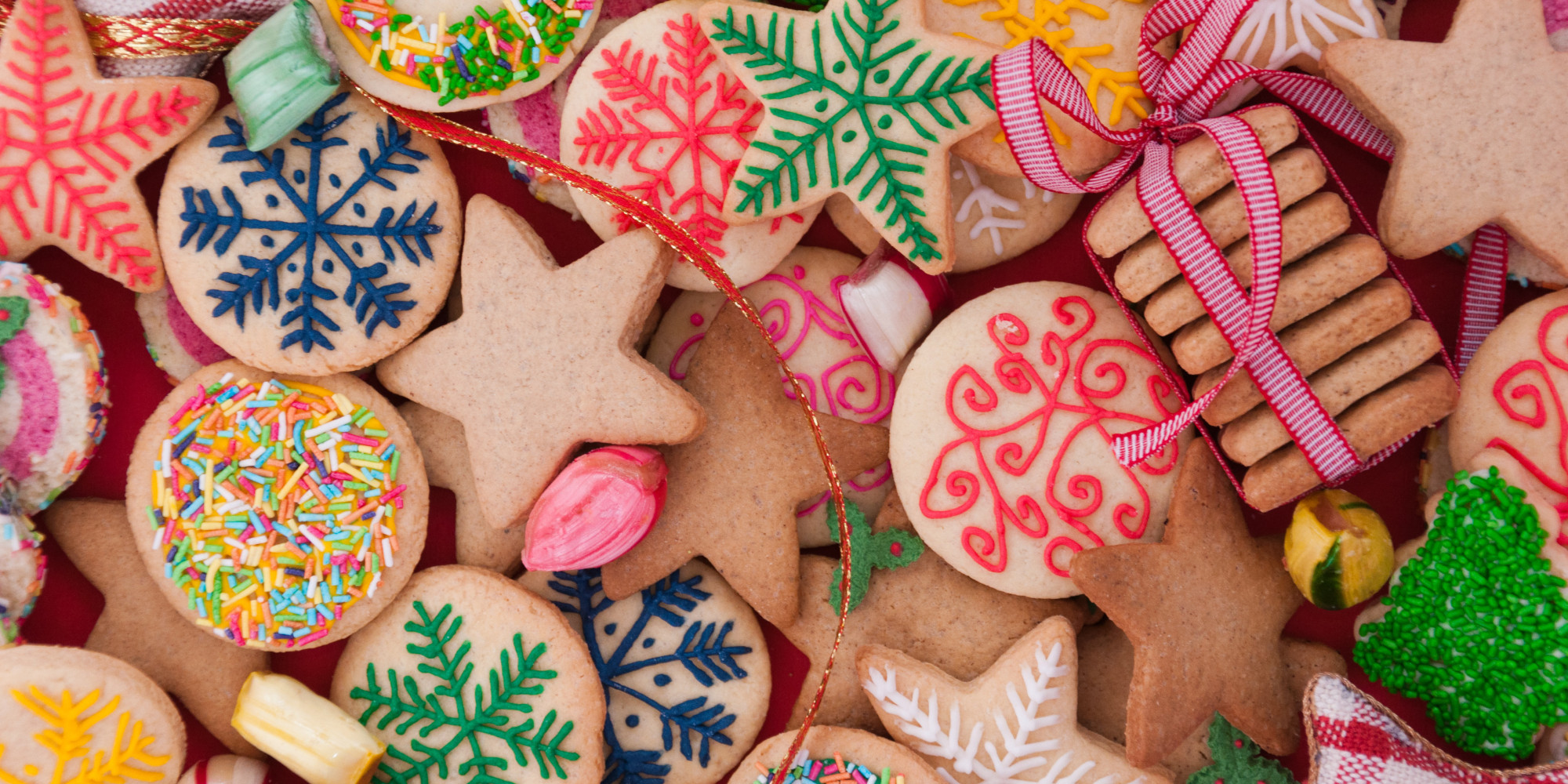Easy christmas cookie recipes 20 cookie recipes to last for Simple christmas cookie and candy recipes