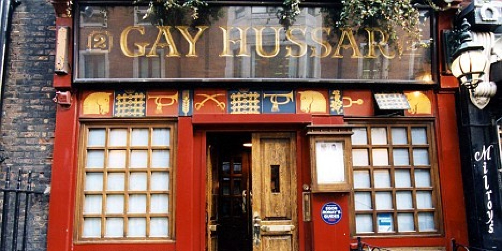 Cristopher recommends Gay pilot association