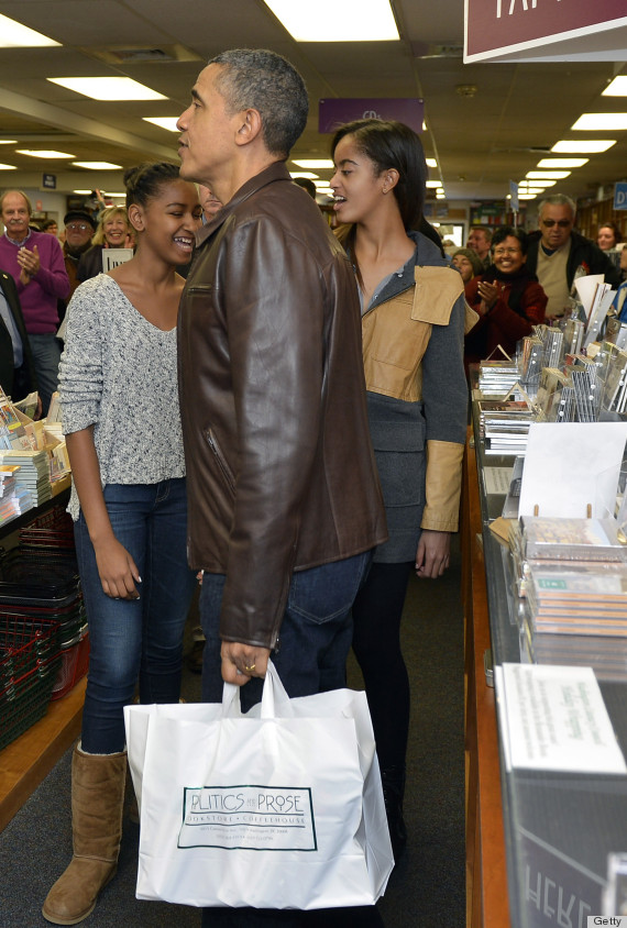 obama stuns bookstore shoppers