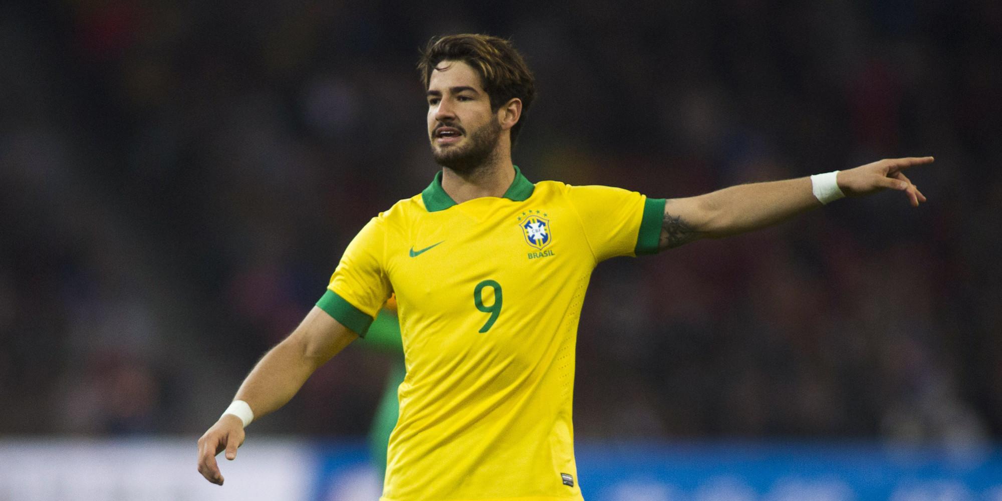Arsenal 'Make €8m Bid' For Alexandre Pato | HuffPost UK