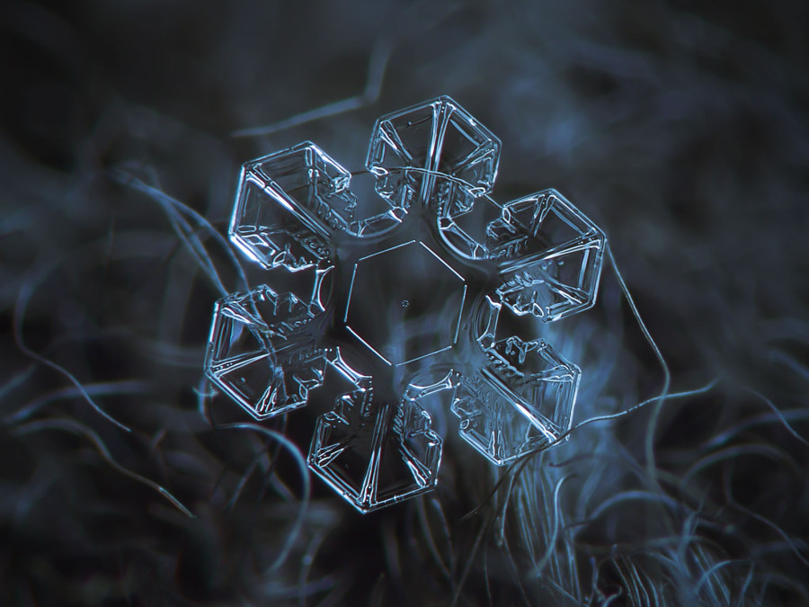 Unbelievable Close Up Photos Of Snowflakes Reveal A Side