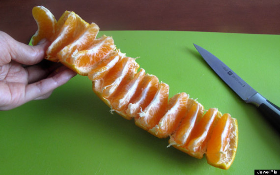 ALERT: You Are Peeling Oranges Wrong (PHOTOS) | HuffPost