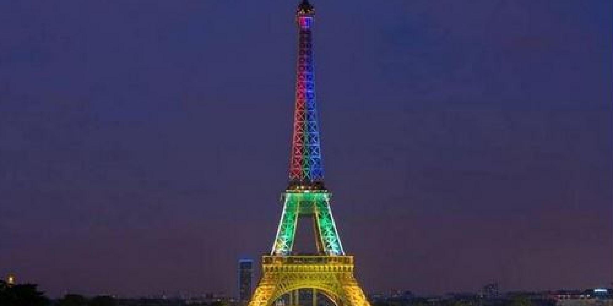 Photo la tour eiffel illumin e pour la mort de mandela - Couleur de la tour eiffel ...