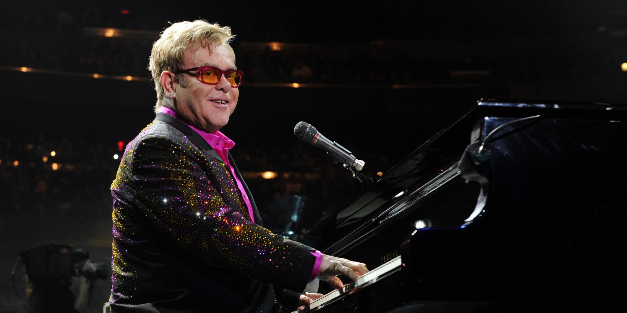 Elton John Vows To Rai...