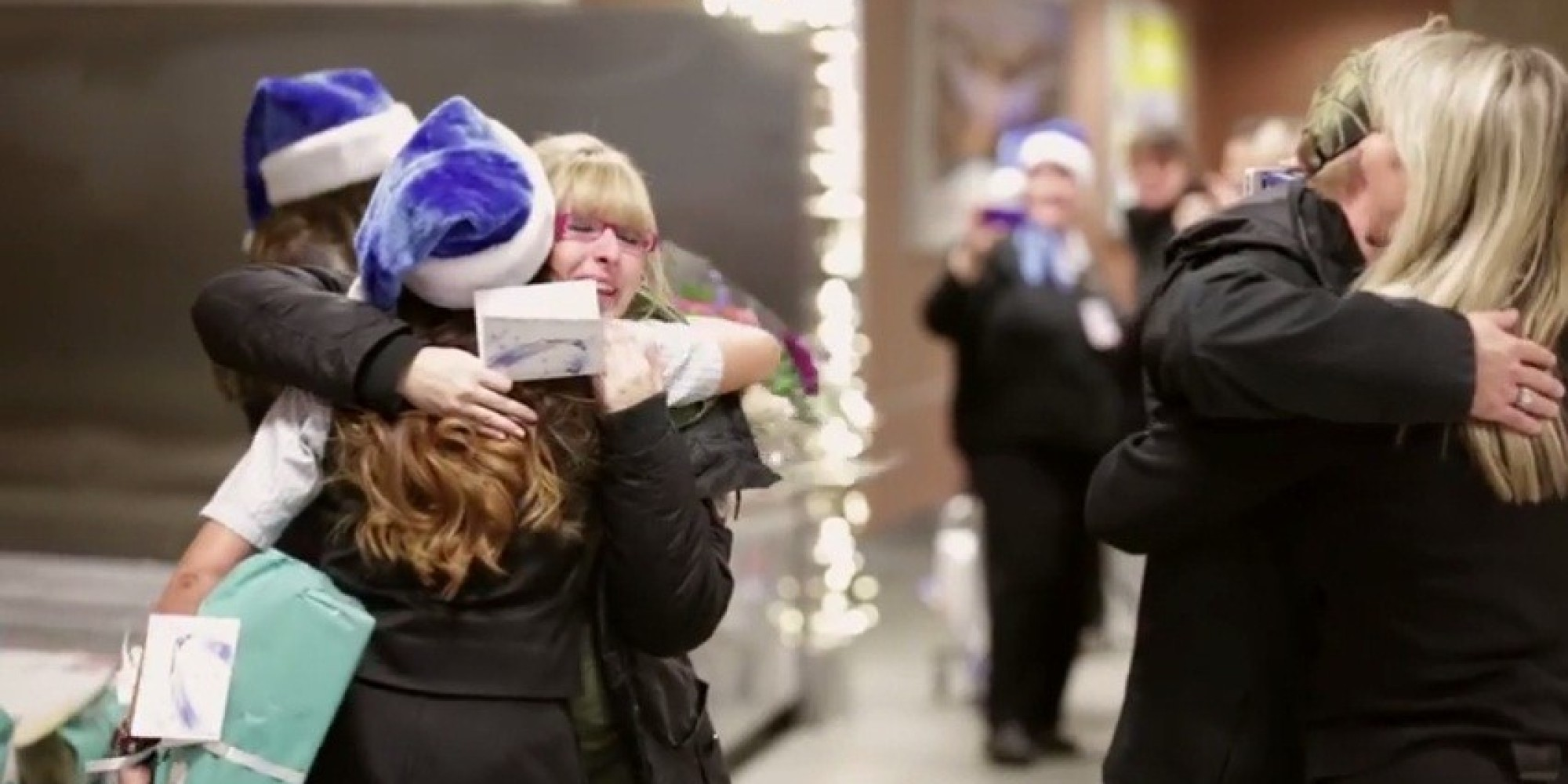 CALGARY, Dec. 8 /CNW/ - WestJet today shared its top holiday travel tips to help guests enjoy a smooth travel experience during the airline's busiest time of year.