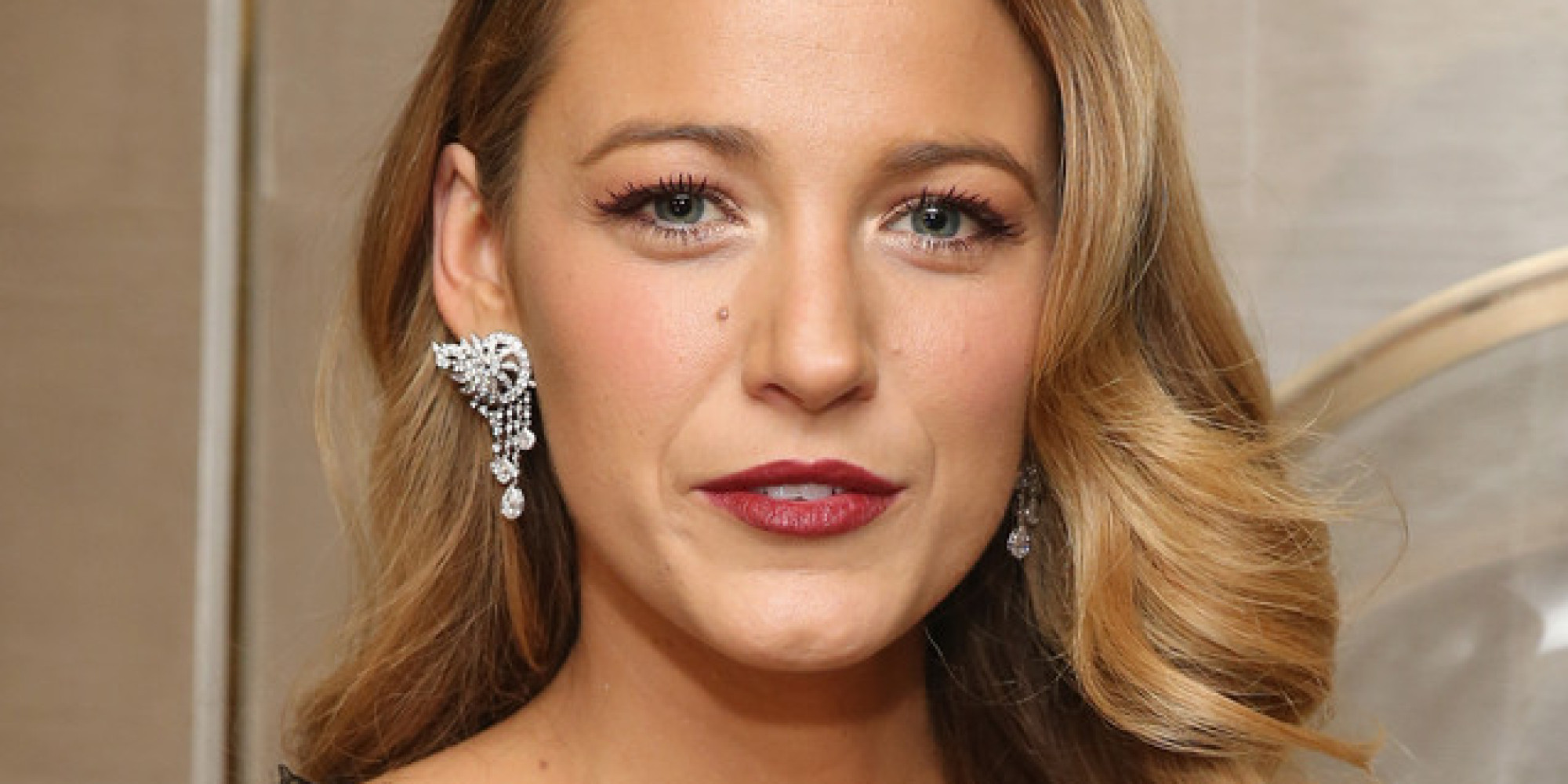 Blake Lively Channels Veronica Lake In Marchesa At Van ... Blake Lively Facebook