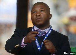 Ce qu'a vraiment dit le faux interprète en langue des signes pour l'hommage à Mandela (VIDÉO)