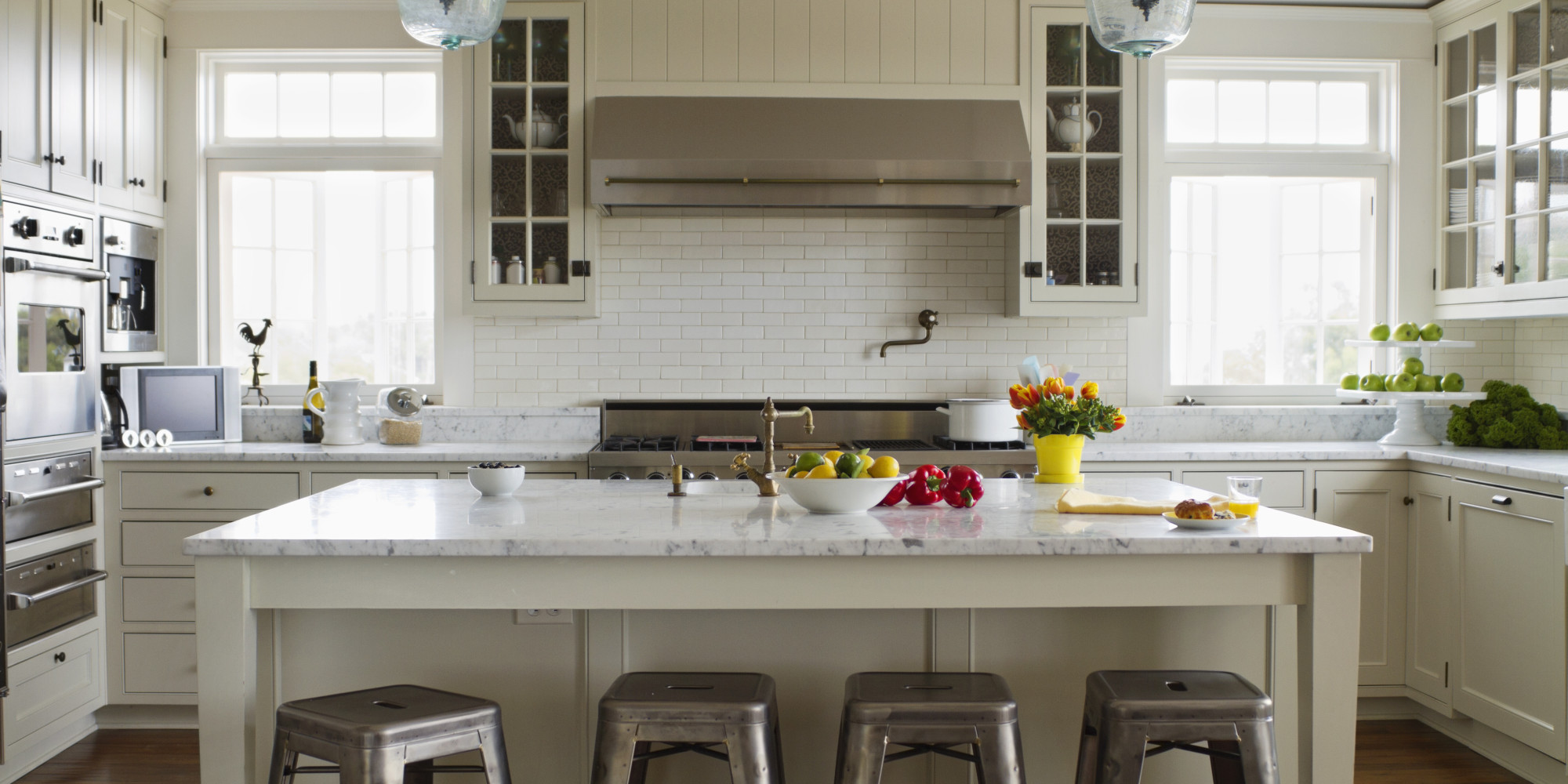 The 3 biggest kitchen trends of 2014 might surprise you Kitchen cabinets colors 2014