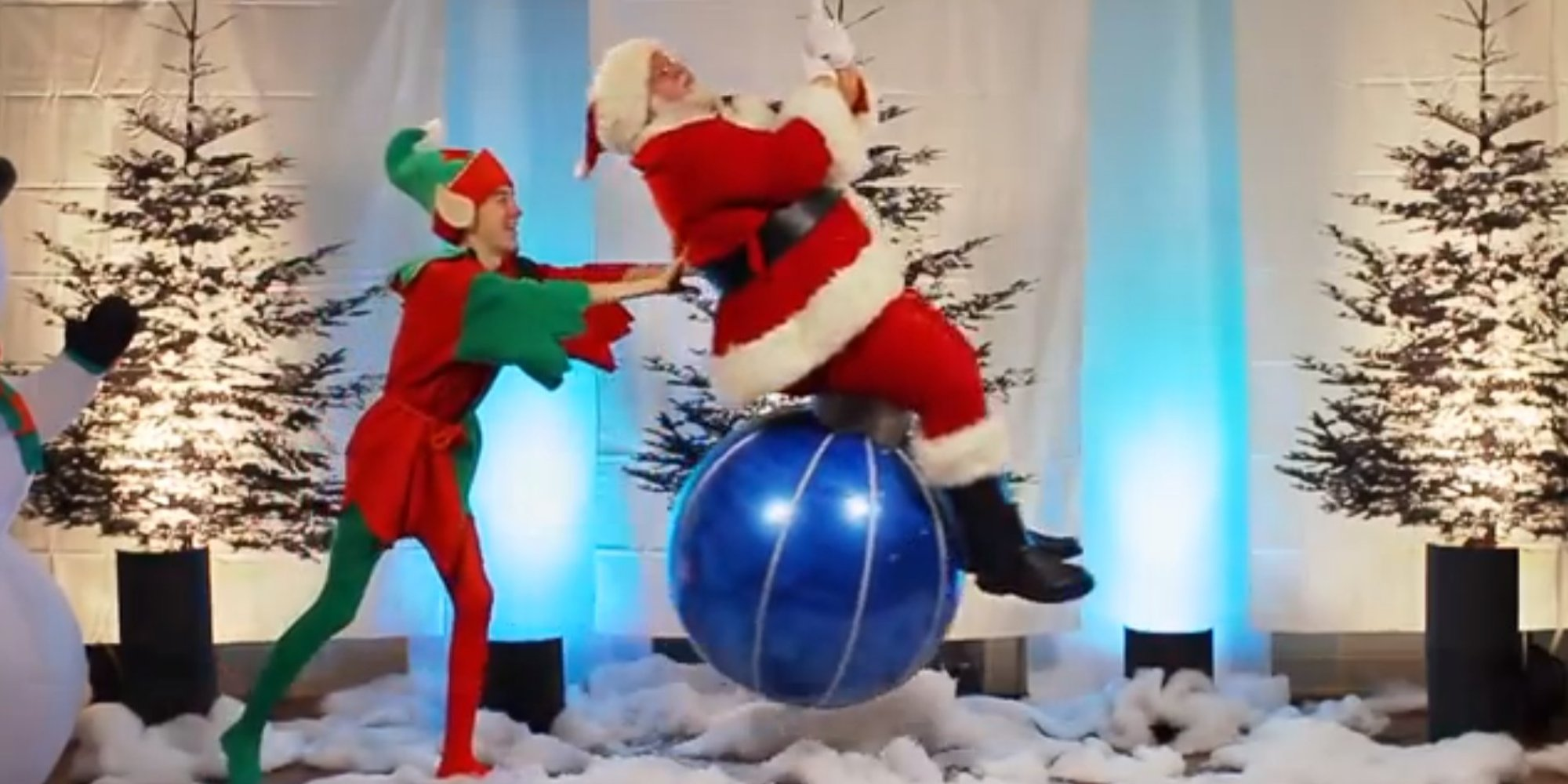 miley cyrus 39 s 39 wrecking ball 39 gets a festive parody as 39 deck the halls 39 video huffpost uk. Black Bedroom Furniture Sets. Home Design Ideas