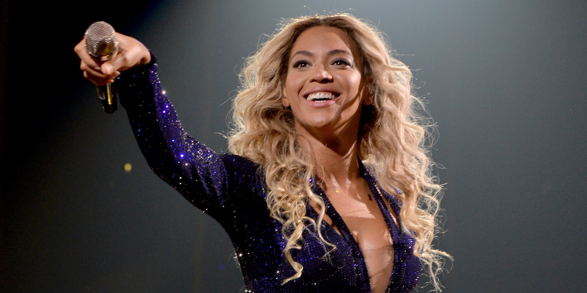 Beyonce's Album Shatters Records With 828,773-Sale Weekend ...