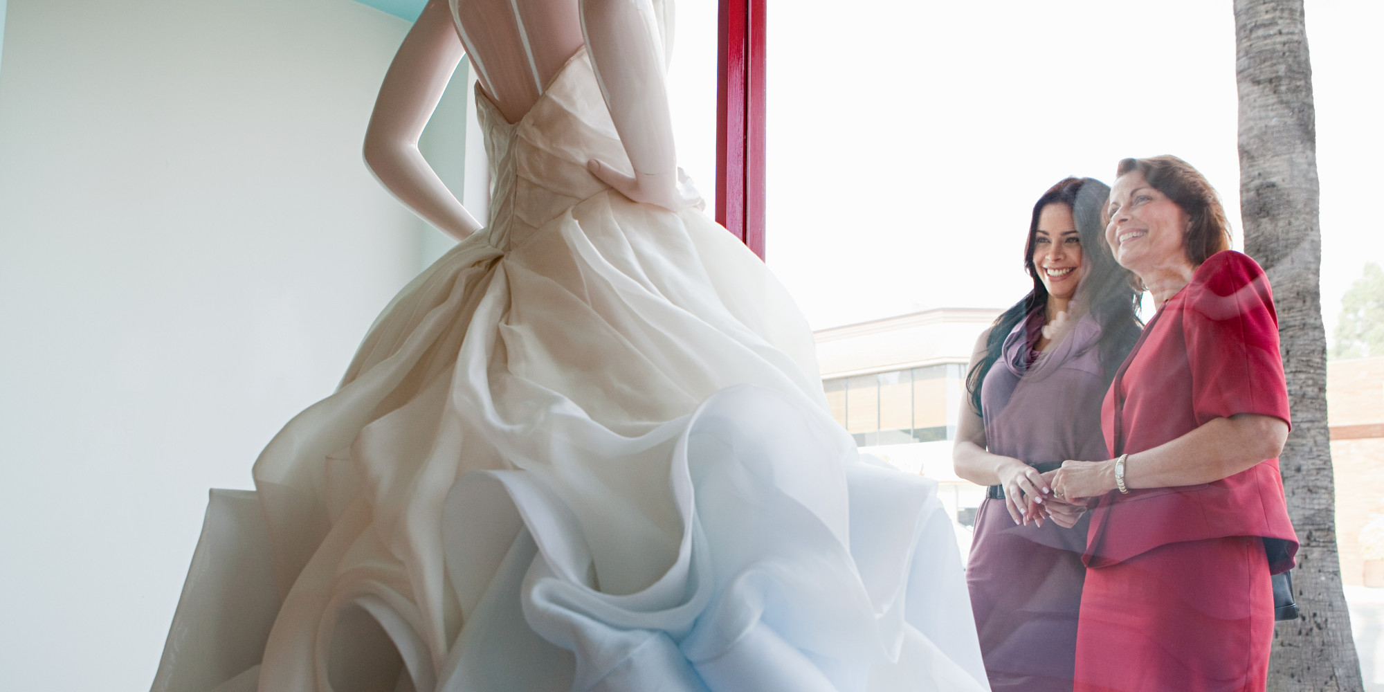 5 ways to include your mother in law in your wedding for Should mother in law see wedding dress
