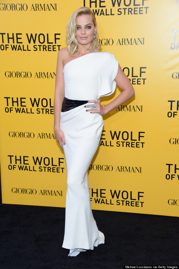 margot robbie shines at the wolf of wall street premiere