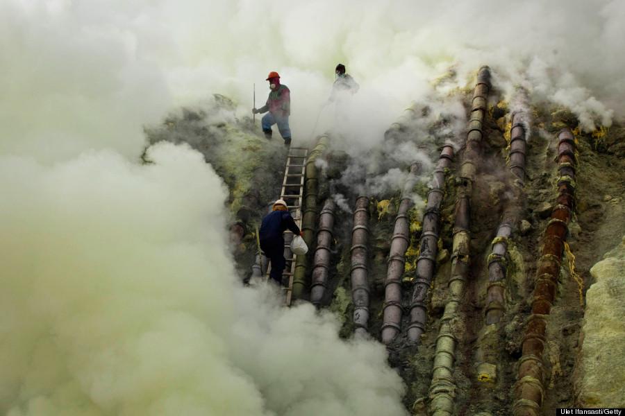 sulfur miner ijen volcano