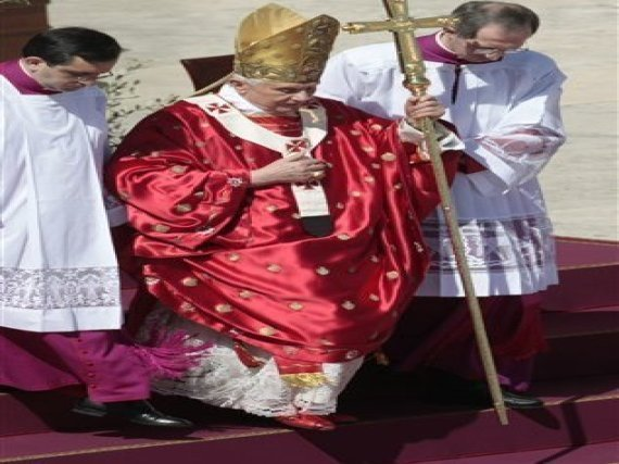 Pope Sex Abuse Scandal: In Palm Sunday Sermon, Pope Says He Won't Be ...