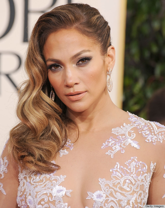 Holiday party hairstyles that you can totally do yourself at home jennifer lopez solutioingenieria Gallery