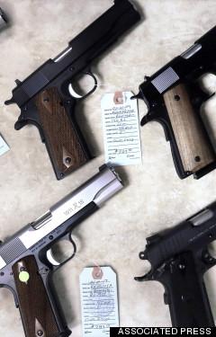 <HH--PHOTO--GUNS--1532801--HH>