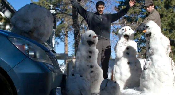 snowman car accident