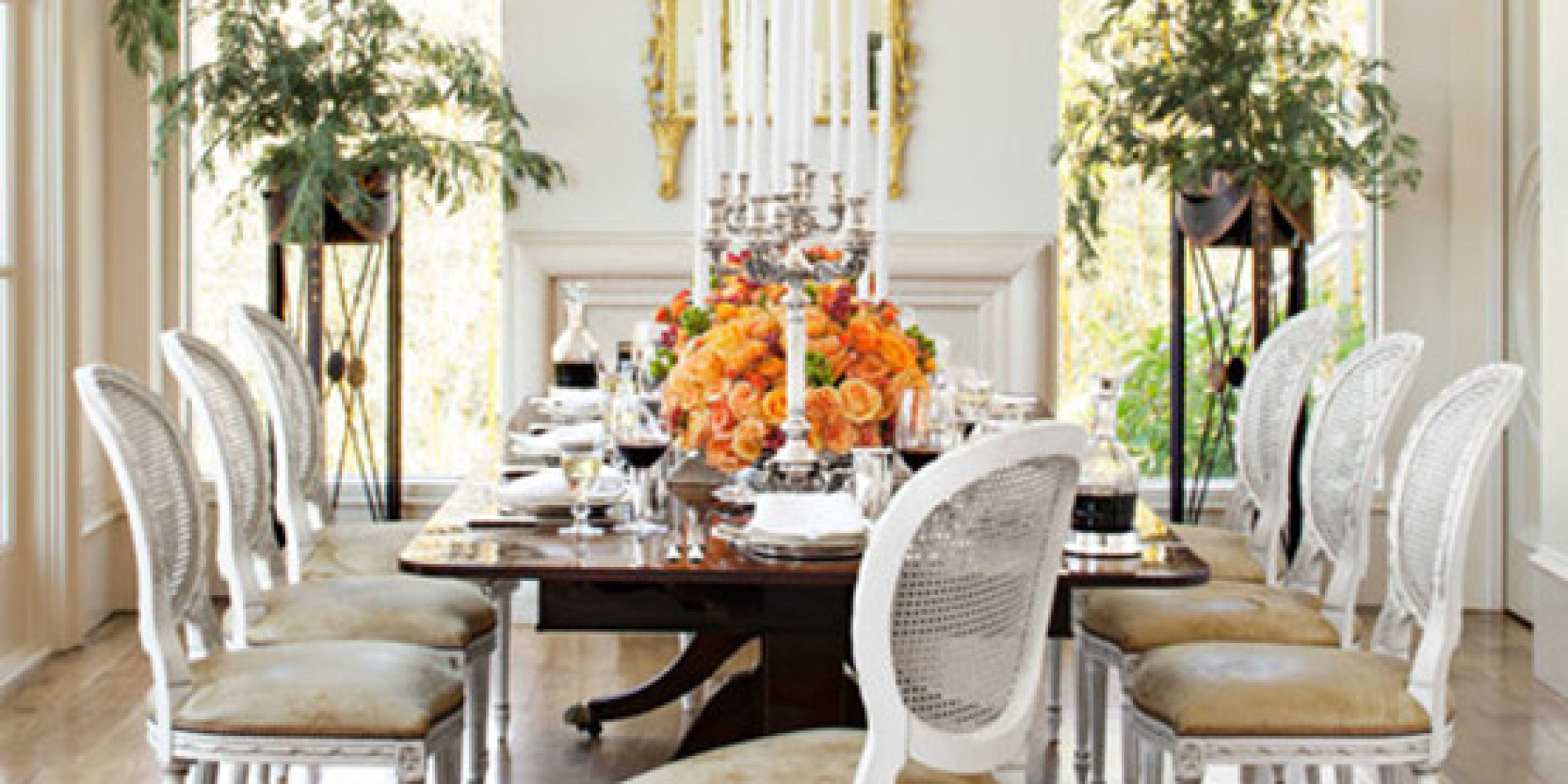 12 festive and elegant dining rooms huffpost for Pictures of beautiful dining rooms