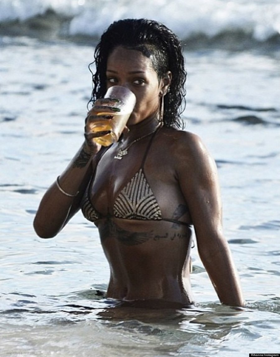 Rihanna Flaunts Fabulous Bikini Body On Instagram Photos
