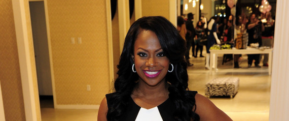 Kandi Burruss Responds To Kenya Moore 39 S Weight Comments With Swimsuit Photos