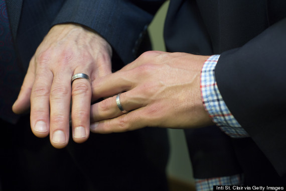 Supreme Court puts Utah same-sex marriages on hold