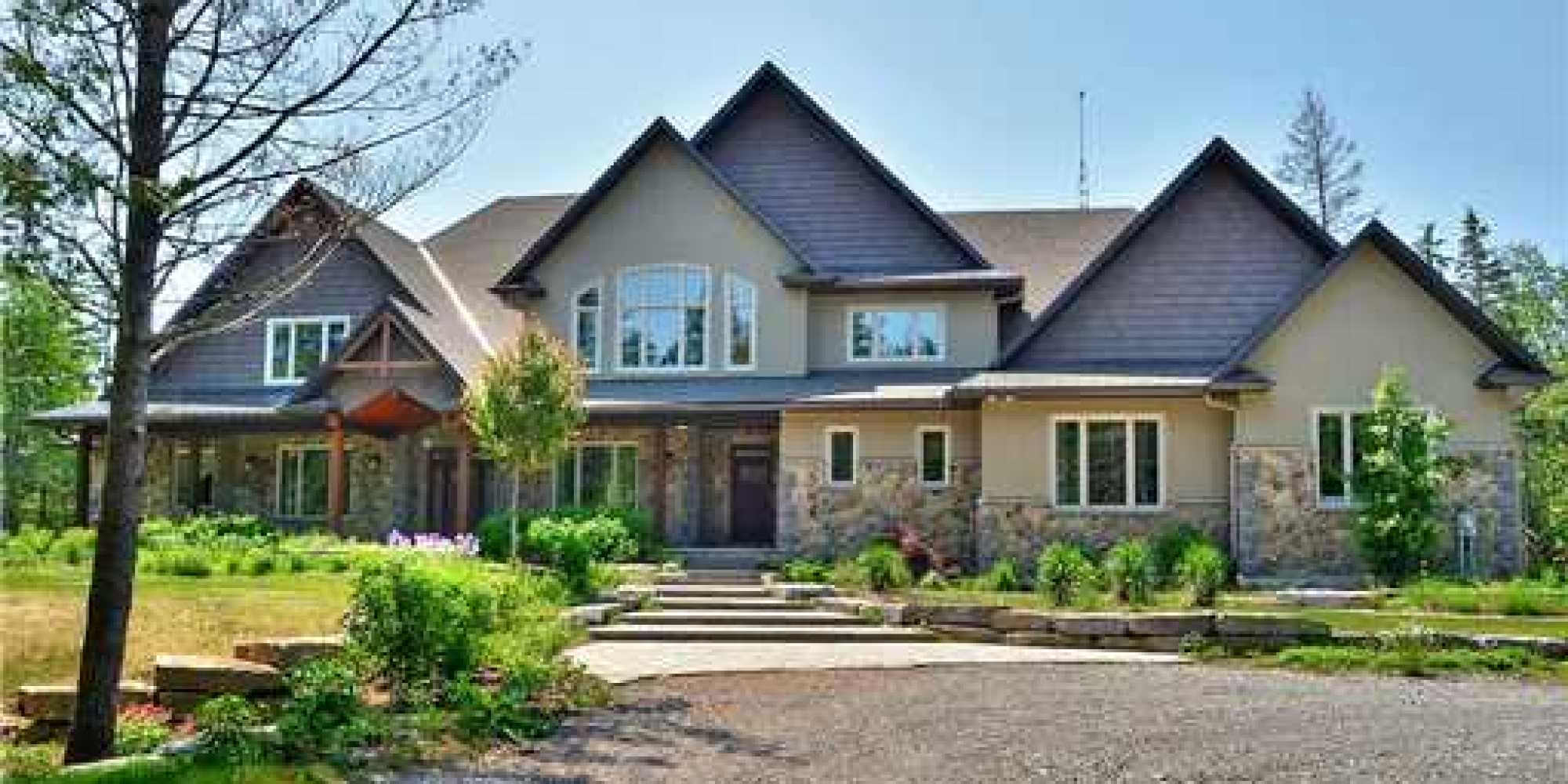 Carrie underwood mike fisher ottawa house among top 10 for Big country style homes