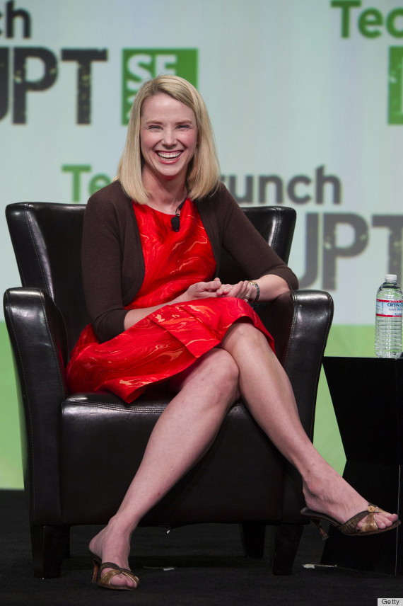 Marissa Mayer S Dress Matches The Yahoo Logo And It S Actually Pretty Awesome Huffpost