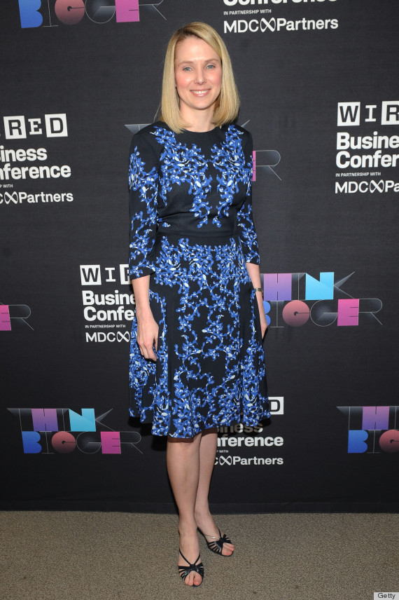 Marissa Mayers Dress Matches The Yahoo Logo And Its Actually Pretty Awesome