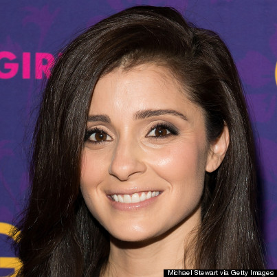Shiri Appleby Selfie Girls actress shiri appleby