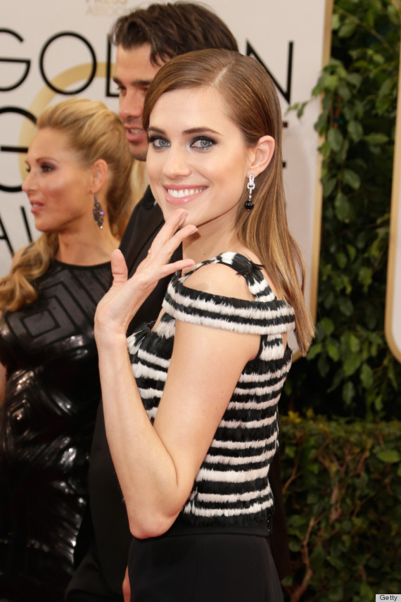 allison williams golden globes dress 2014