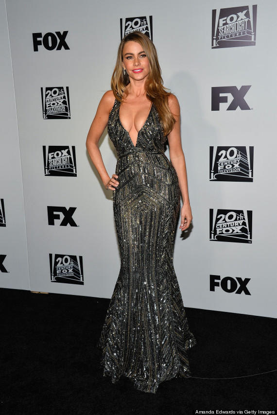 Sofia Vergara Wears Plunging Metallic Dress To Golden Globes After ...