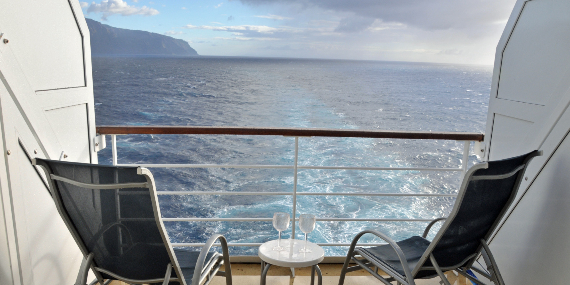 5 cruise cabin hacks that will change the way you cruise for Cruise balcony