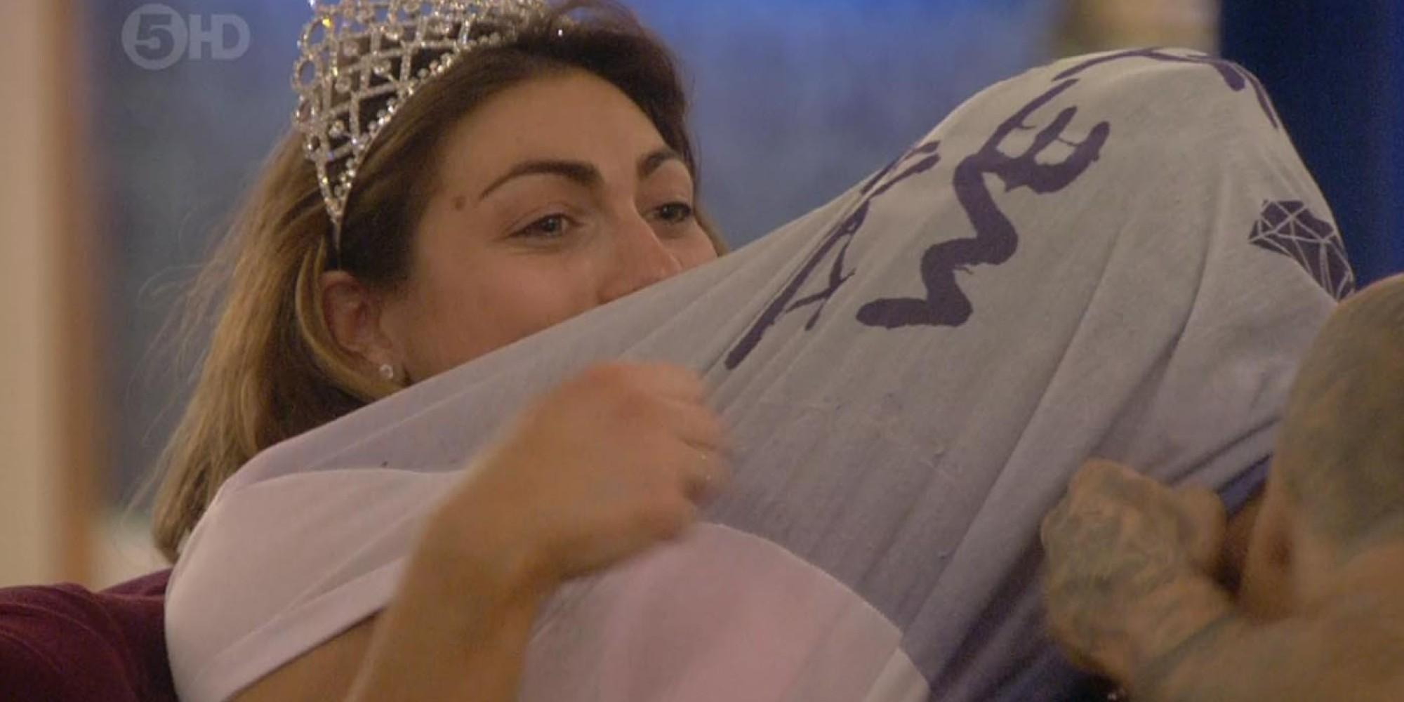 Celebrity Big Brother: Dappy Sucks Luisa Zissmans