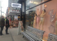 American Apparel Pubic Hair Mannequins Stop Pedestrians In Their Tracks (PHOTOS)