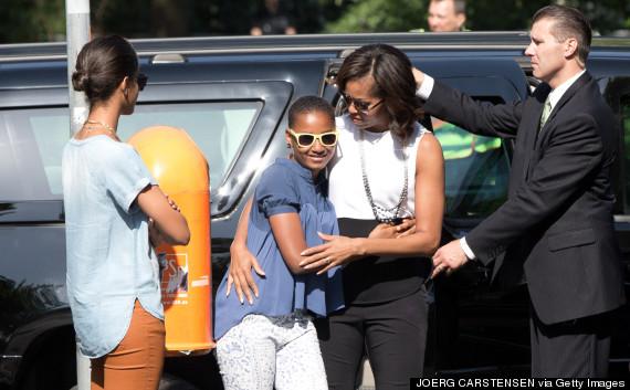 michelle obama barack hug