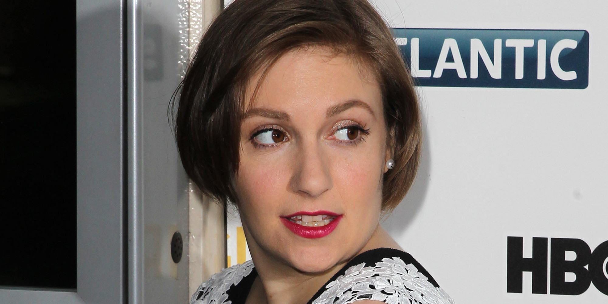 Lena Dunham Responds To 'Ridiculous' Cash Prize For Unretouched Vogue Photos