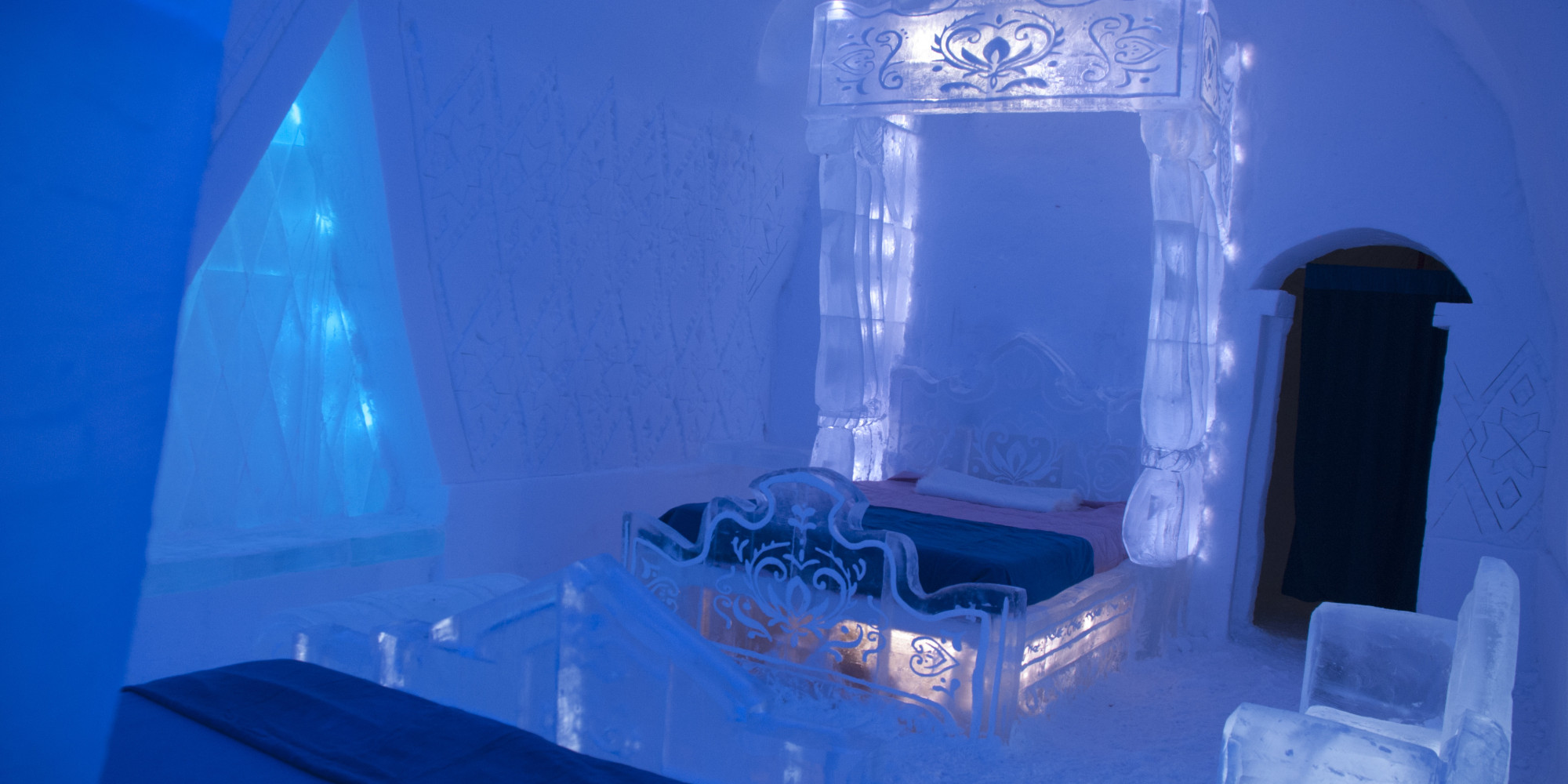39 frozen 39 suite at hotel de glace is super cool. Black Bedroom Furniture Sets. Home Design Ideas