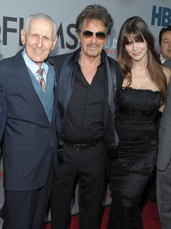 Susan Sarandon On Crutches & Al Pacino With His Girlfriend ...