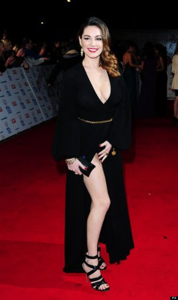 National Television Awards 2014 Kelly Brook Suffers Wardrobe Malfunction After Flashbulb Flash