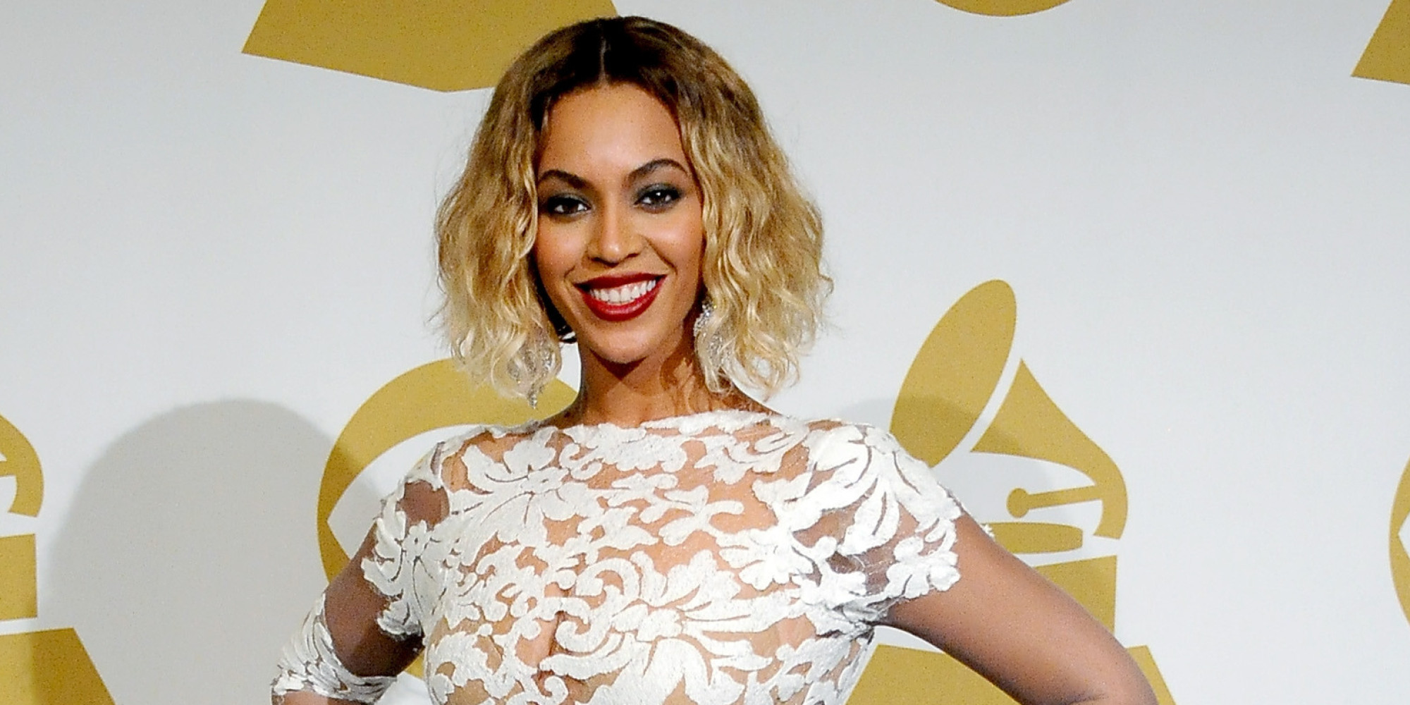 Beyonce Grammys: Beyoncé Changes From Bodysuit Into Equally Sexy Peek-A-Boo