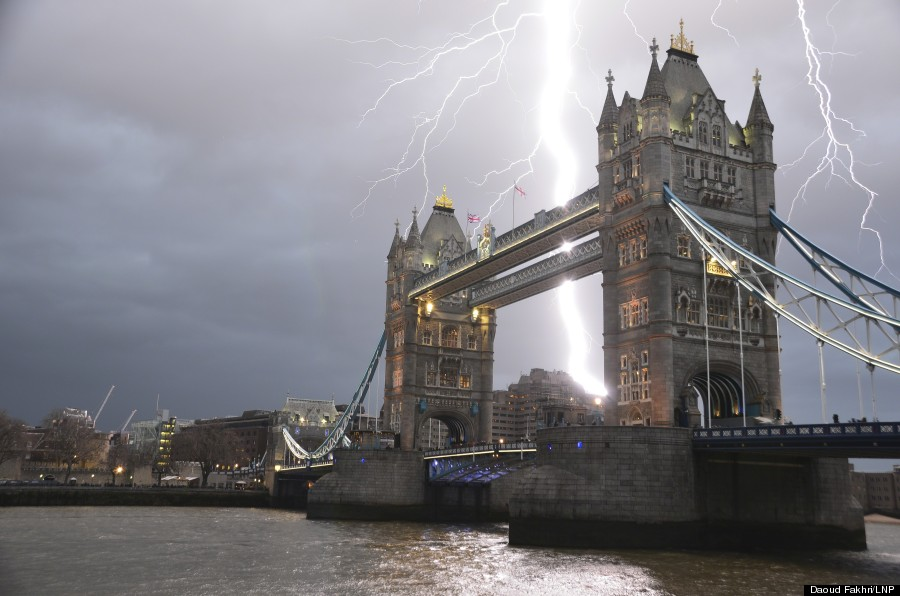 lightning london bridge