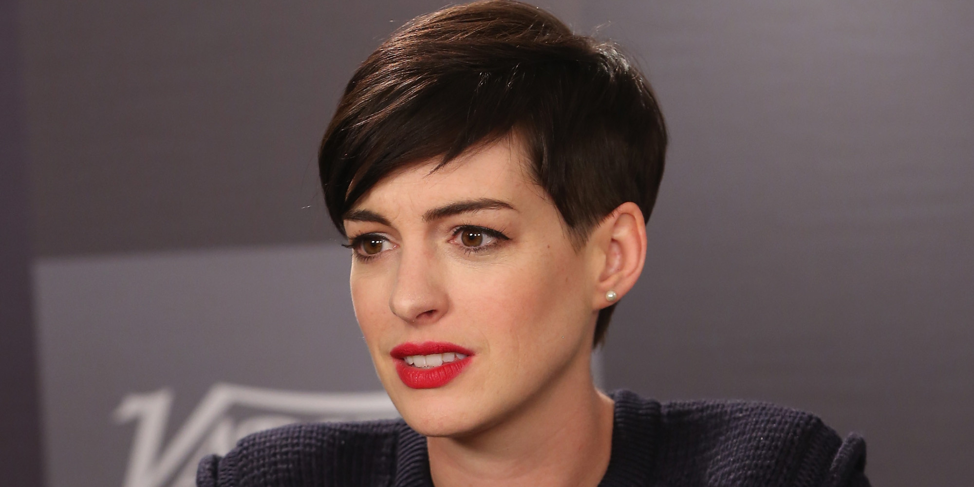 Anne Hathaway Is Very Aware Of Her 'Hathahaters' | HuffPost Anne Hathaway Facebook