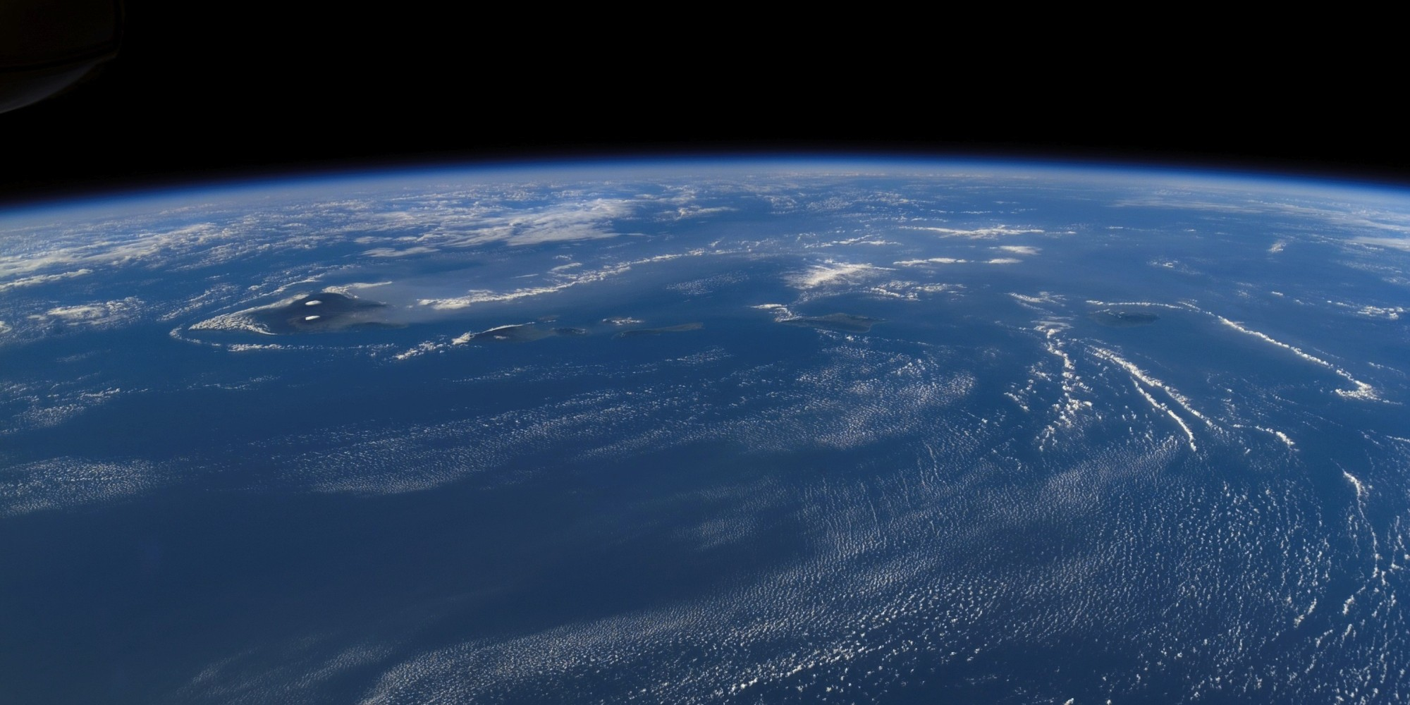 Hawaii Space Photos Prove Earth's Most Isolated Landmass ...