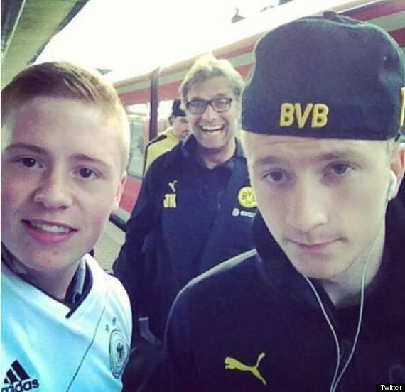 o JURGEN KLOPP PHOTOBOMB 570 Borussia Dortmund coach Jurgen Klopp has produced two brilliant photobombs in the past few days [Pictures]