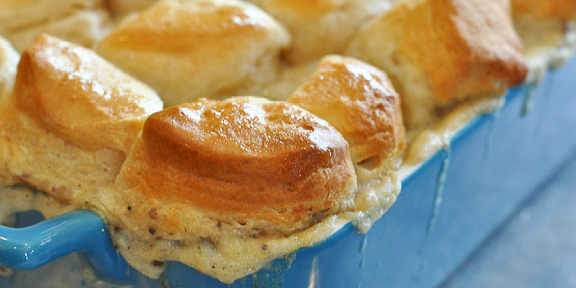 Biscuits And Gravy Join Forces To Make An Incredible Casserole (RECIPE ...