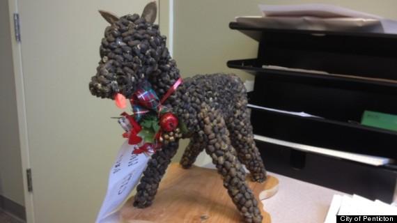deer poop statue penticton