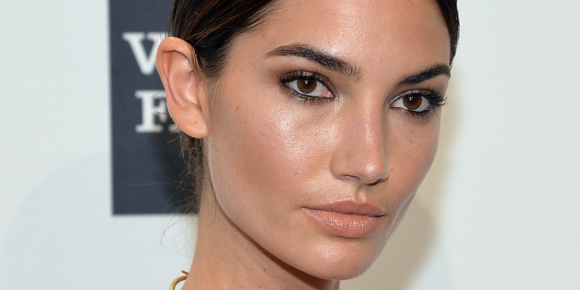 Lily Aldridge earned a  million dollar salary, leaving the net worth at 2 million in 2017