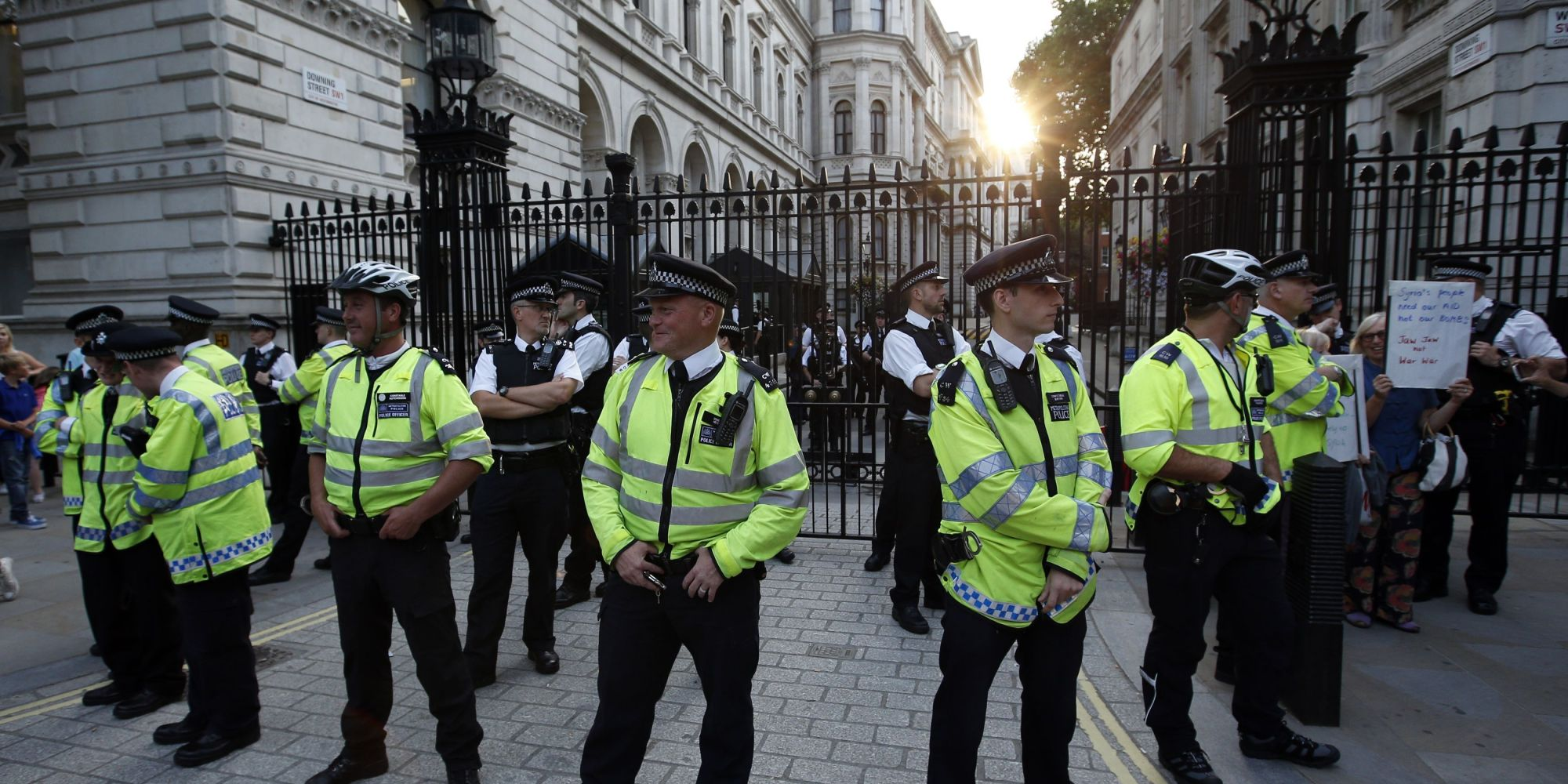 Police Not Trusted By Third Of Population, Poll Finds ...