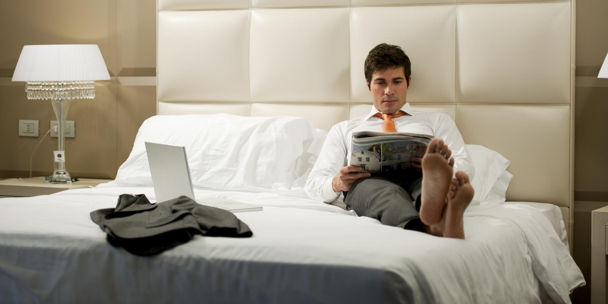 hotel room decor study reveals men more demanding than