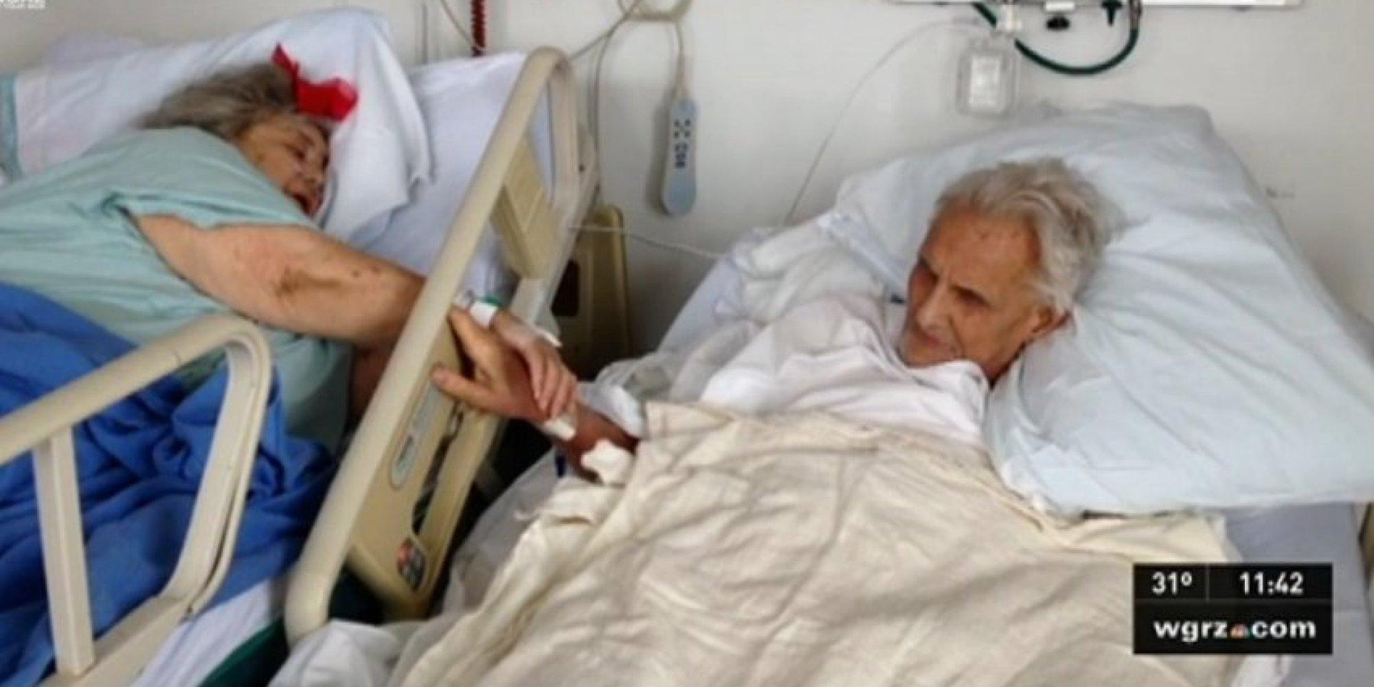 После 60 лет эротикаосматривает гинеколог 5 фотография